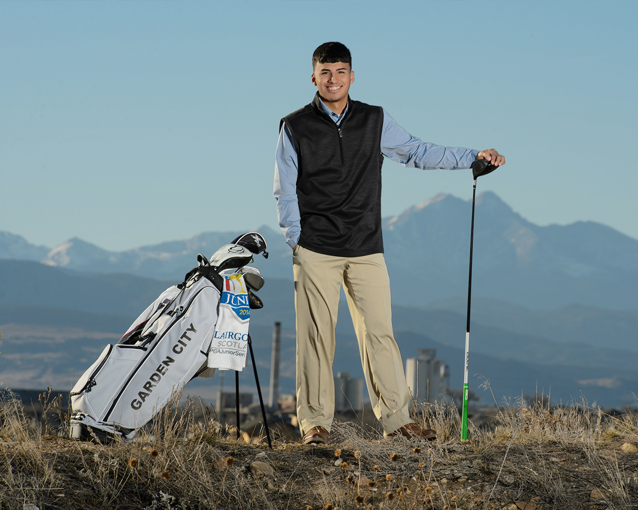 Colorado Golf-Senior Portraits-Mountain Views